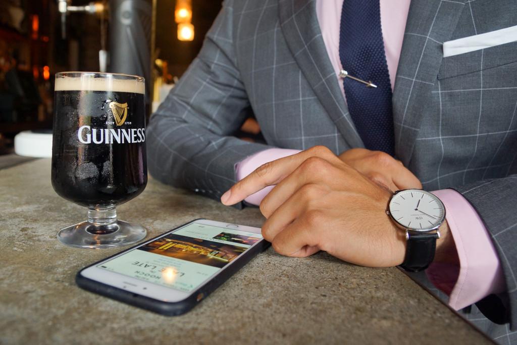 late late bar having a drink with hooch app